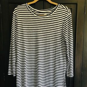 Old Navy Size L black and white striped shirt